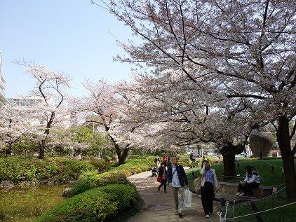 mouri_garden2.jpg